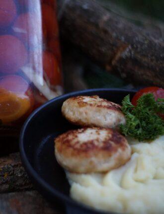Домашні смажені котлети в Парк-кафе Маріанна